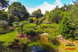 182 Long Rd Tamborine Mountain - Front Garden