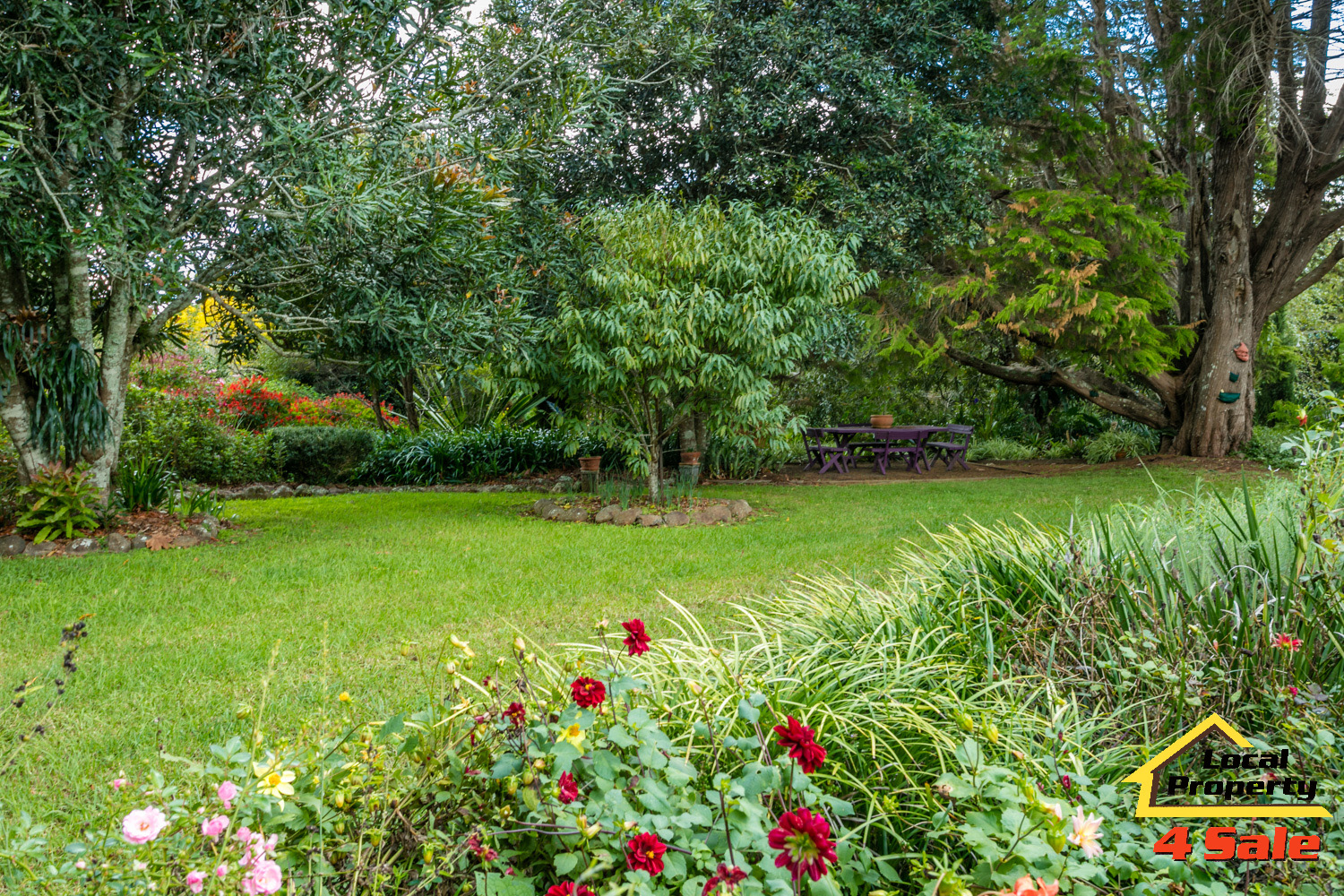 182 Long Rd Tamborine Mountain - Front Gardens