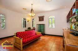 182 Long Rd Tamborine Mountain - Living Room