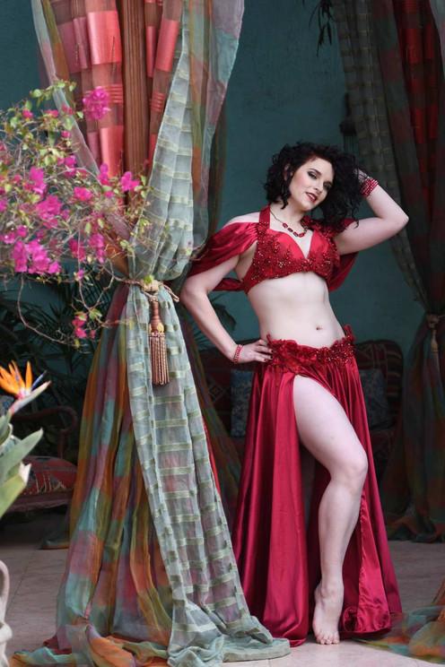Belly dancer in red Tara Yasmin