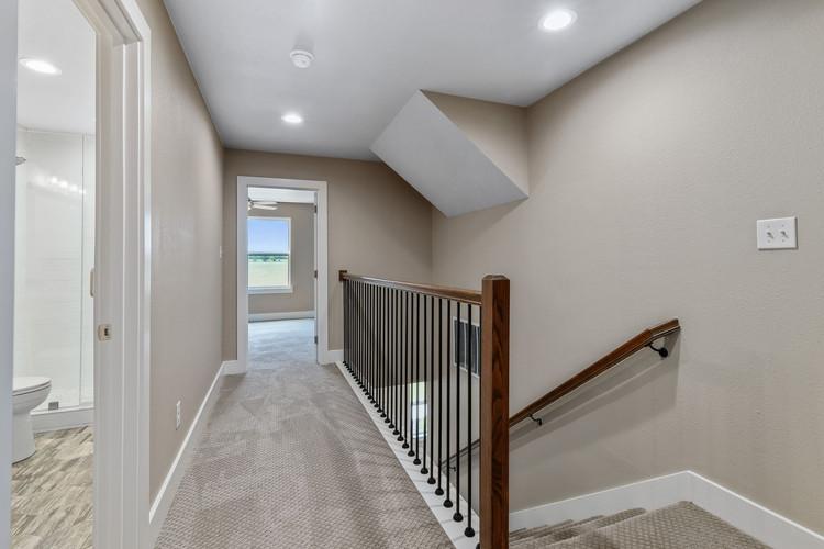 029-Upstairs Loft-FULL.jpg