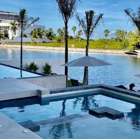 6 BR Luxe Villa