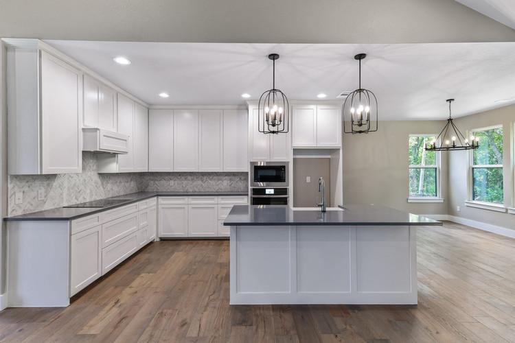 008-Kitchen-FULL.jpg