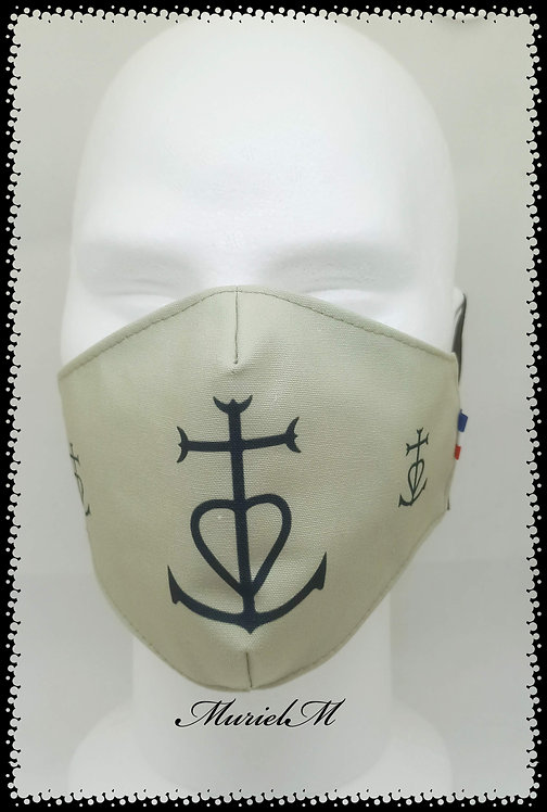 Masque Croix de Camargue sur Fond Gris