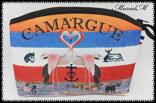 trousse arrondie Camargue France flamant
