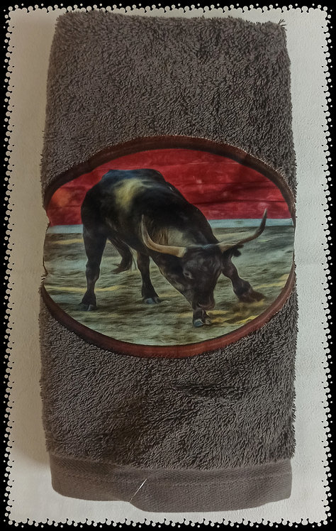 serviette de toilette taureau camargue