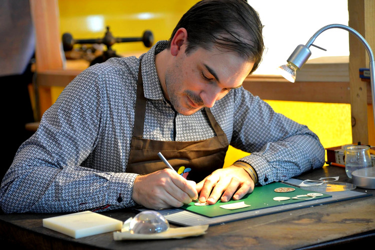 Atelier Matéo Crémades - Parchment rosettes