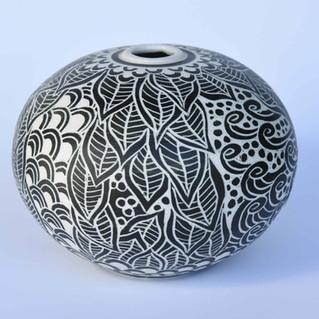 porcelaine noire gravée