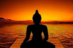 Buddha devant la mer