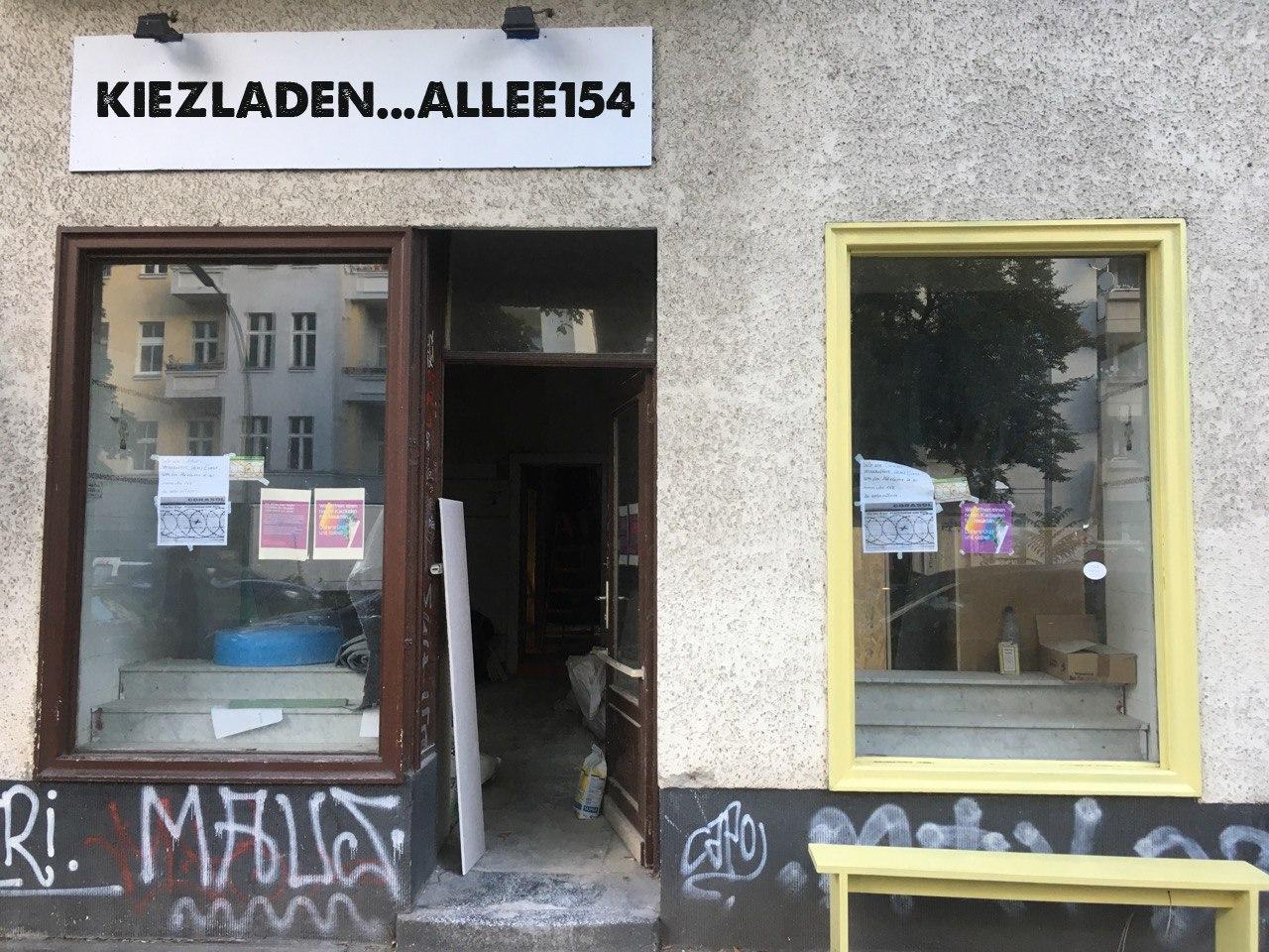 Eingang zum Kiezladen Allee 154