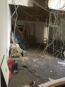 Überall kommen Kabel runter...