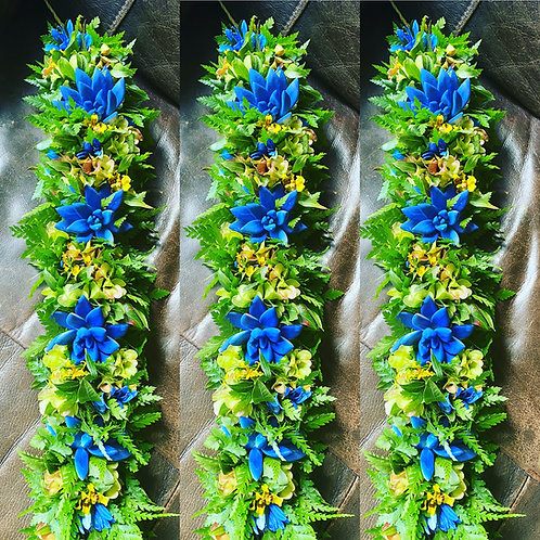 Blue Succulents Lei po'o