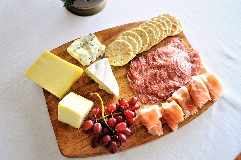 how to assemble a cheese and charcuterie platter