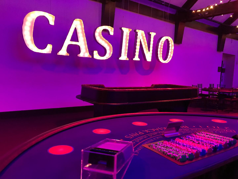 Black light party - Casino (4).jpg