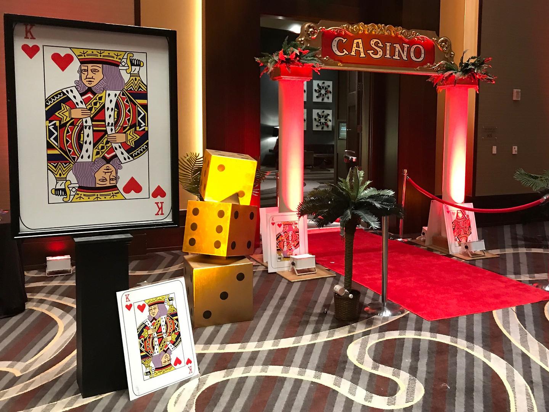 Deluxe Casino Entrance.jpg
