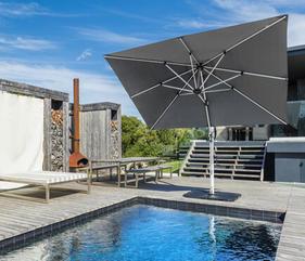 home_cantilever_umbrella_poolside_gray.jpg