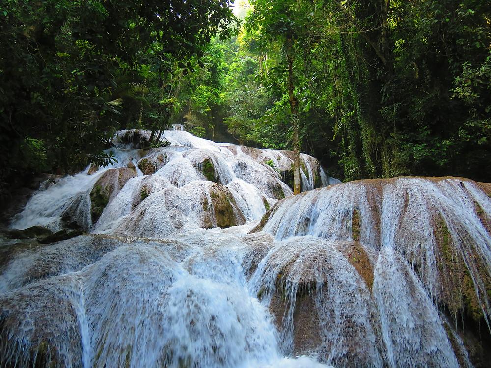 Sulawesi - Saloupa waterfall Tentena
