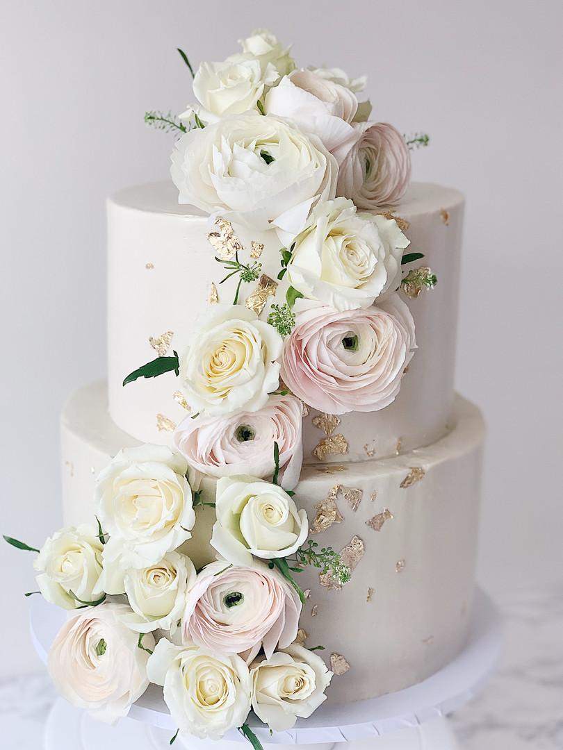 whiteonwhiteweddingcake.jpg