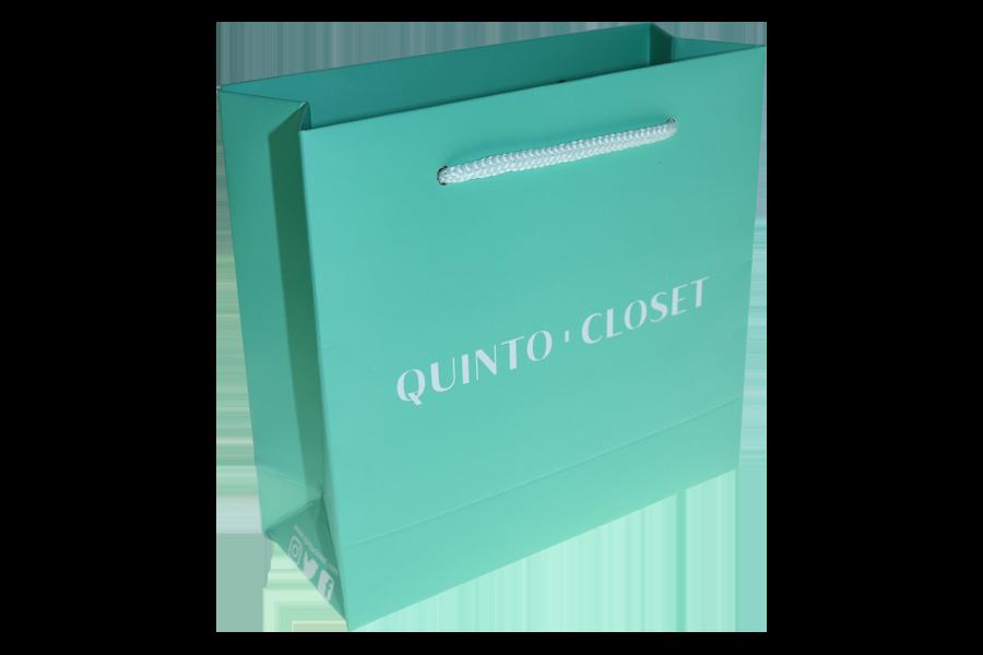 QUINTO-CLOSET