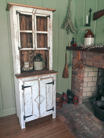 Amish Reclaimed Barn Wood Farmhouse Hutch (SOLD)