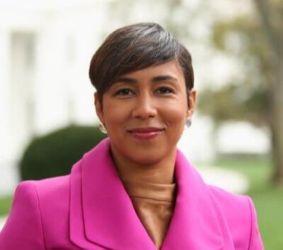 Ashley Etienne, Kamala Harris' communications director