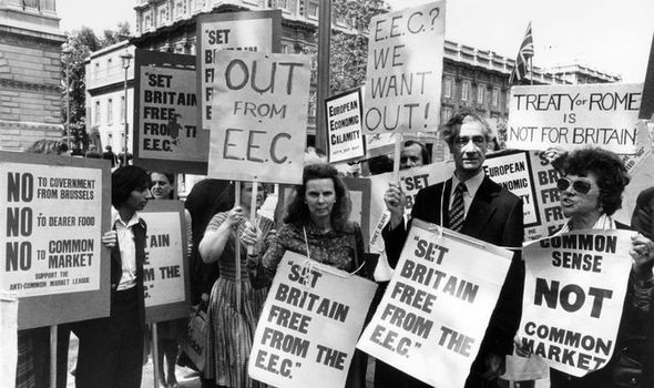 UK referendum to leave the EEC in 1975