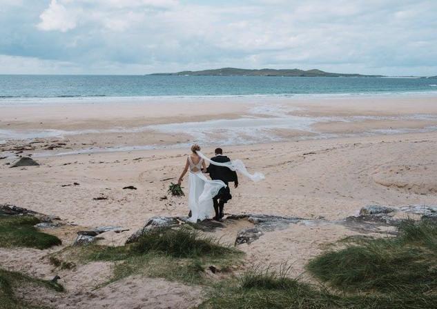 bride and groom destination beach wedding vibes