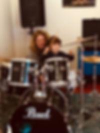 Thijs op drums.jpg