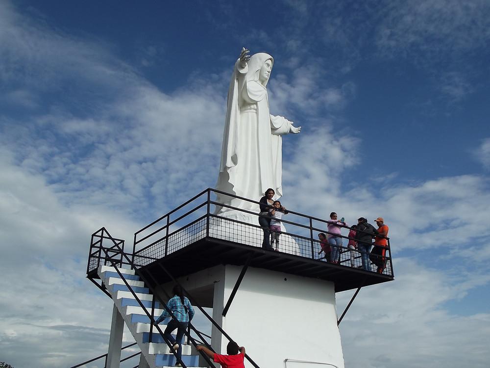 Virgen de la Merced, Piñas