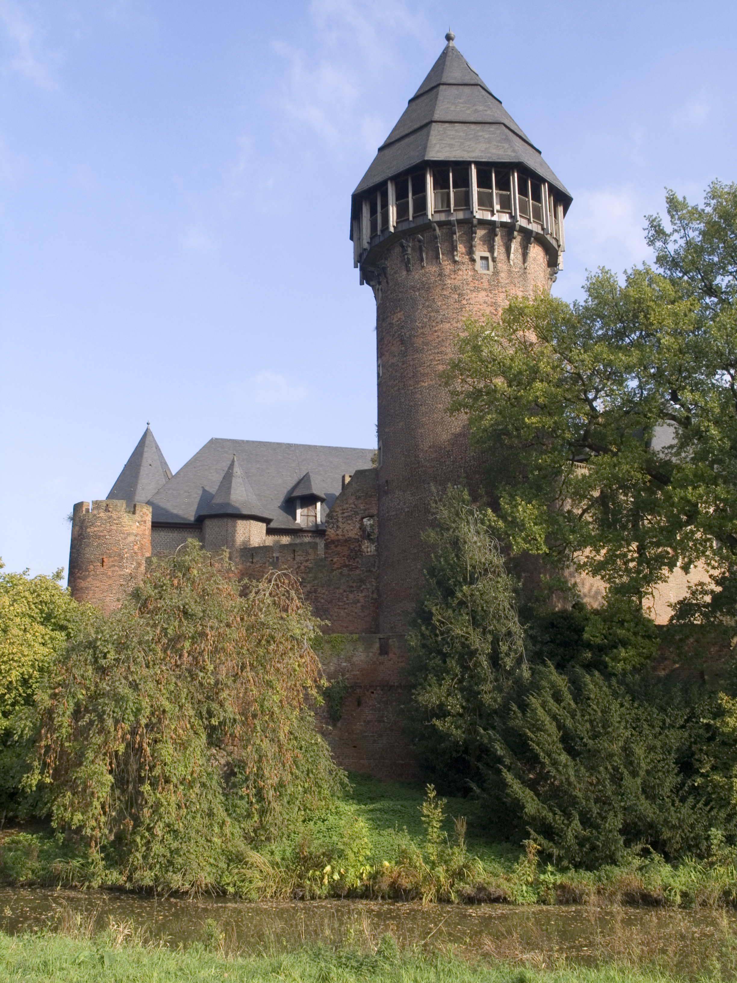 NRW,_Krefeld_-_Burg_Linn_01