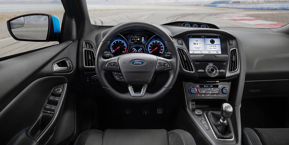 Interior: 2017 Ford Focus RS