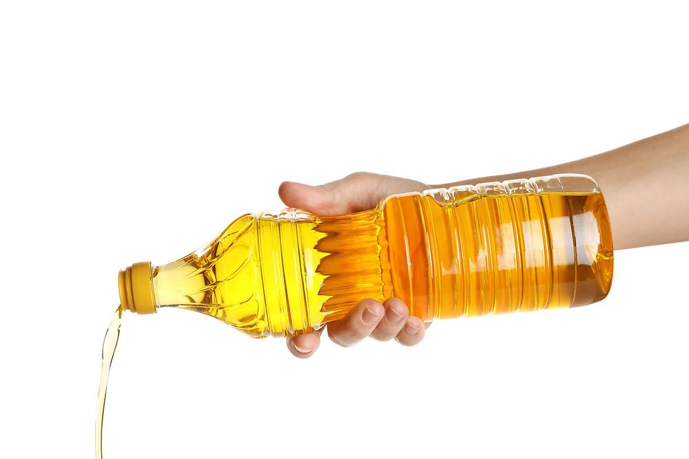 Das aus für Plastikflaschen beim spanischen Extra Vergine (Bild: 123rf) evoo.expert