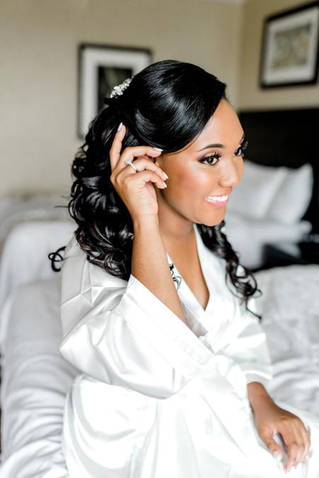 Aisha-Tyler-sneakpeek-6.jpg