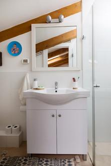 Bathroom_90_Low_Res.jpg