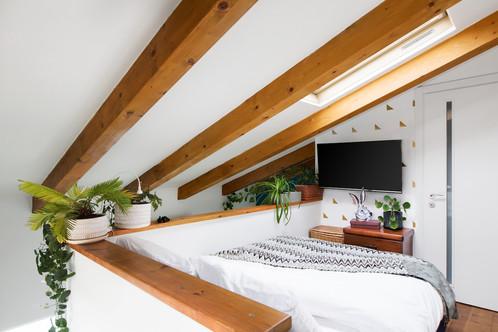 Bedroom_Corner_80_Low_Res.jpg