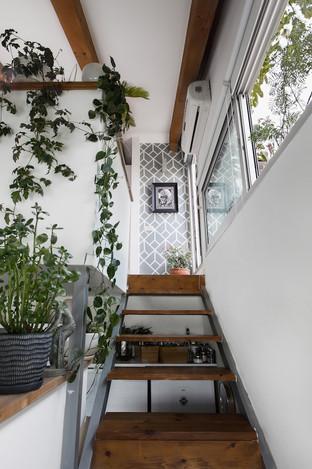 Stairway_Upstairs_115_Low_Res.jpg