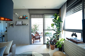 Balcony_17.jpg