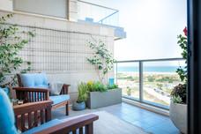 המרפסת עם חזית ים מרהיבה