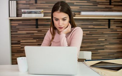 self-employed-young-woman-615283832-580c
