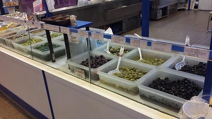 Olives Kalomata, olives natures façon grecque, olives Volos au marché Windsor de Neuilly