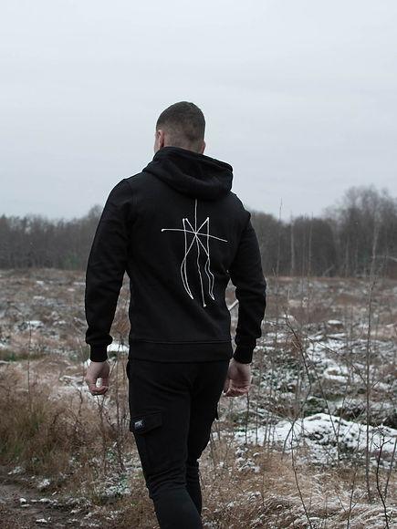 editorial-mtbk-hoodie-vingt-cinq-5-2.jpg
