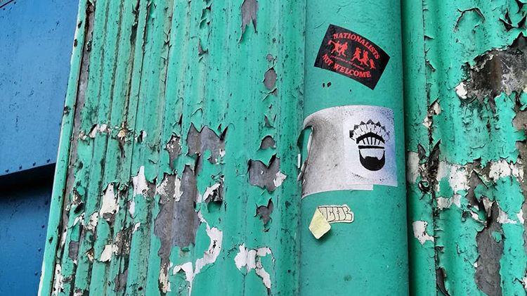 propaganda-project-sticker-interview-ms-graphisme-mtbk-rue-quai-horloge-montreal-canada