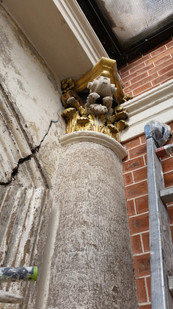 Restoration work of capitals at the shel