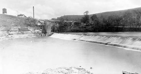 Falls and Kentucky River hemp mill at Lock No. 4 on the Kentucky River, Frankfort in 1920 (Kentucky Historical Society).