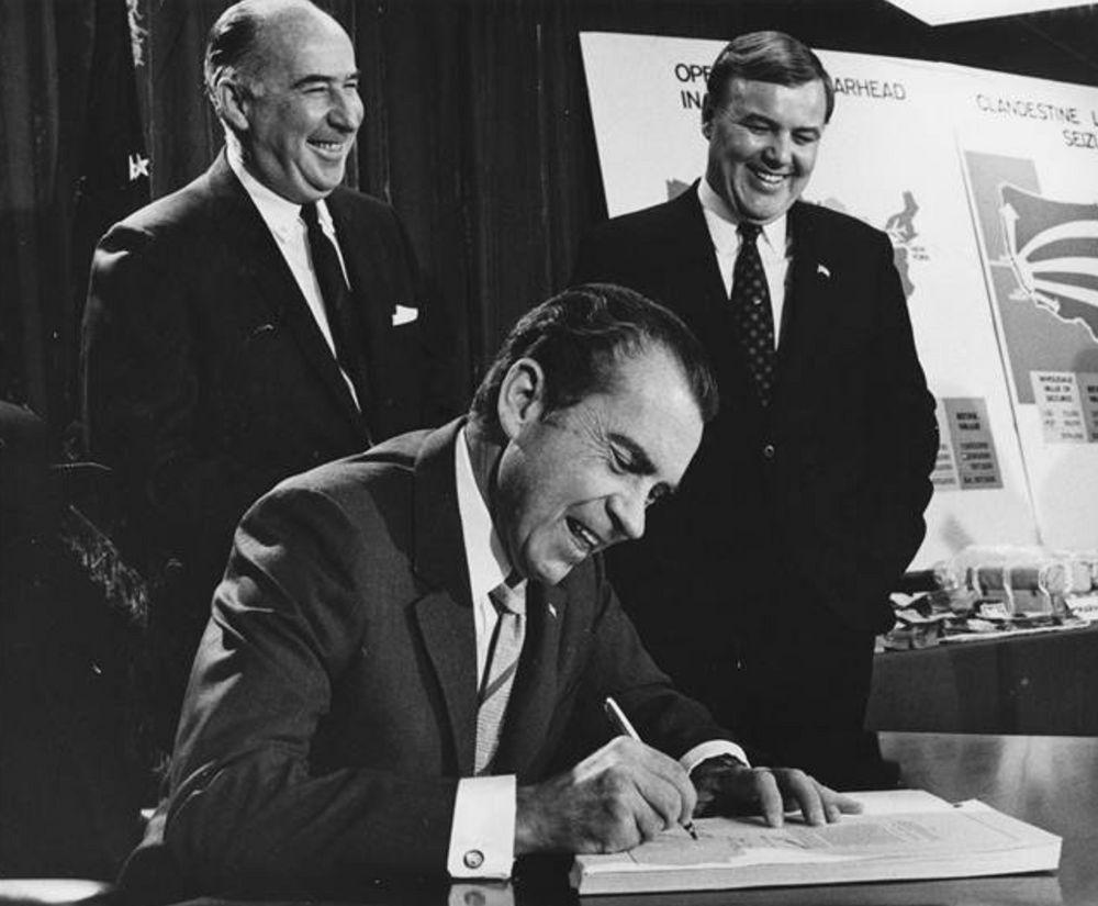 1970 | Controlled Substances Act Bans U.S. hemp production