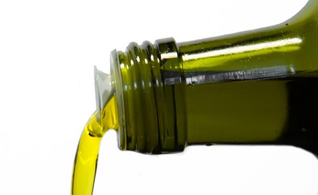 Cold-pressed hemp seed oil