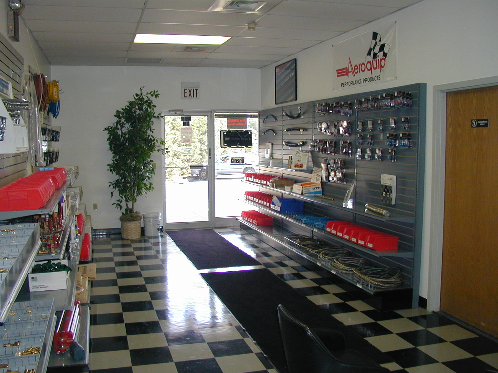 milford counter to door