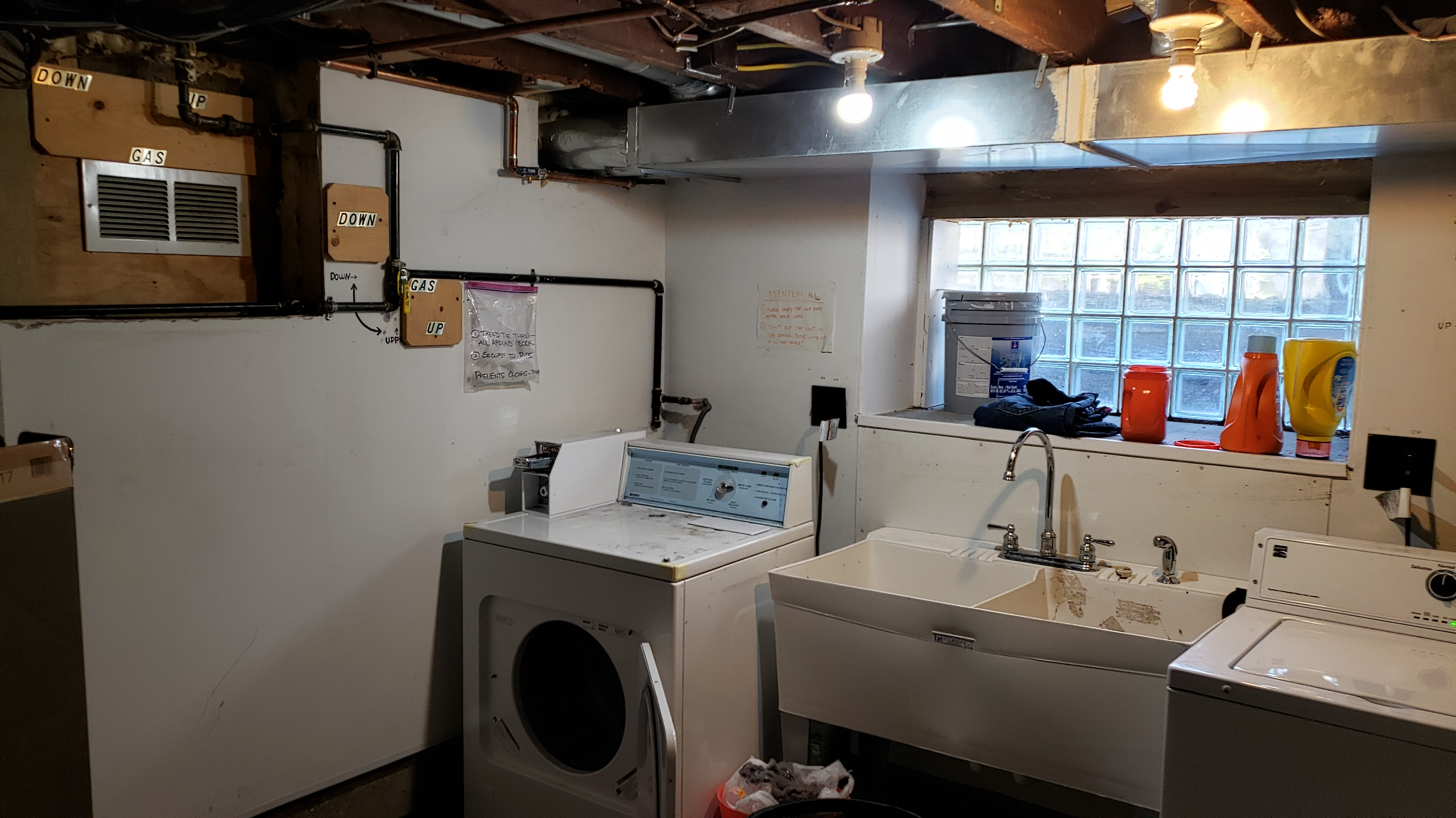 65 Basement Laundry