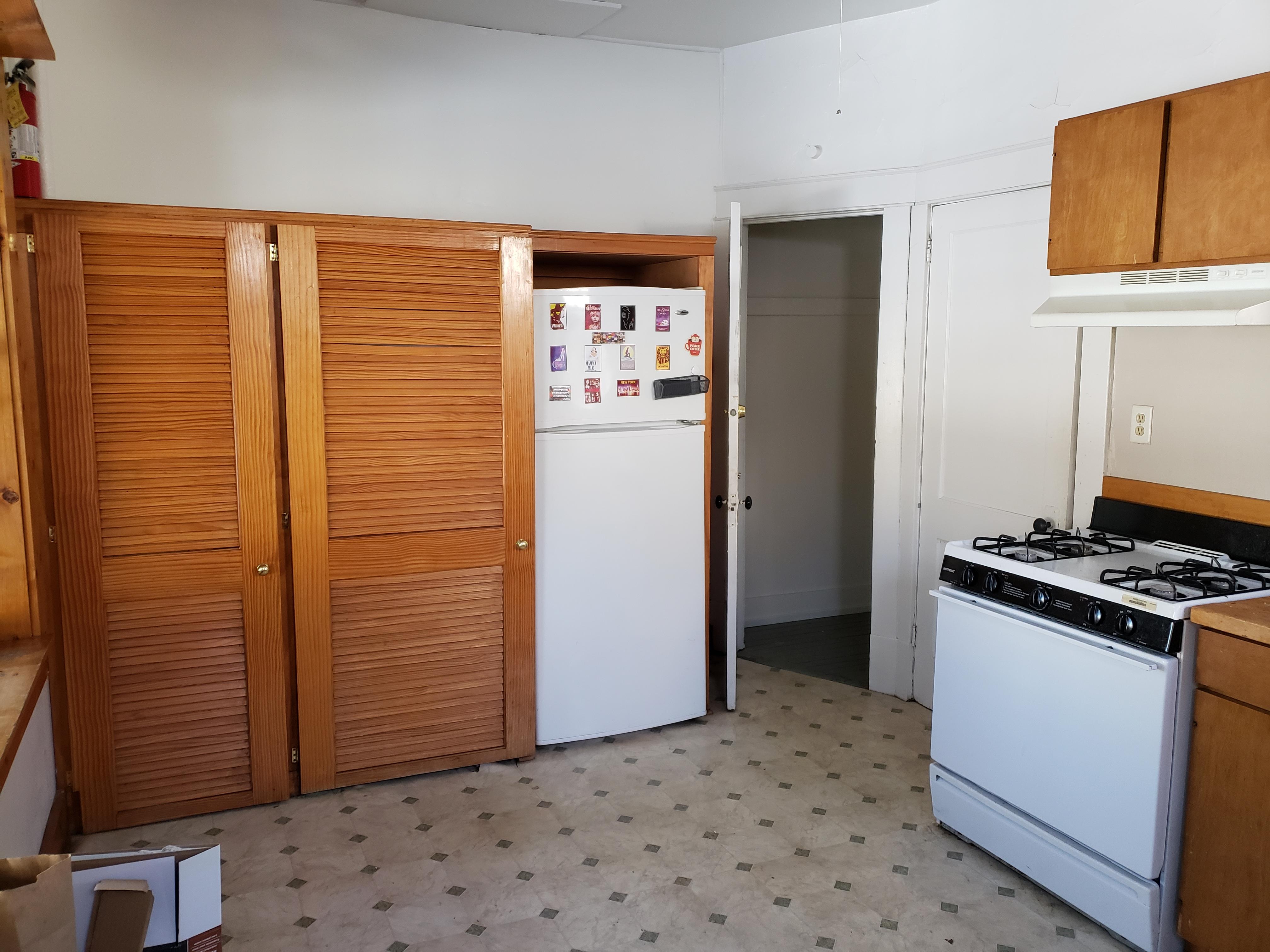 140 - 1651 Kitchen