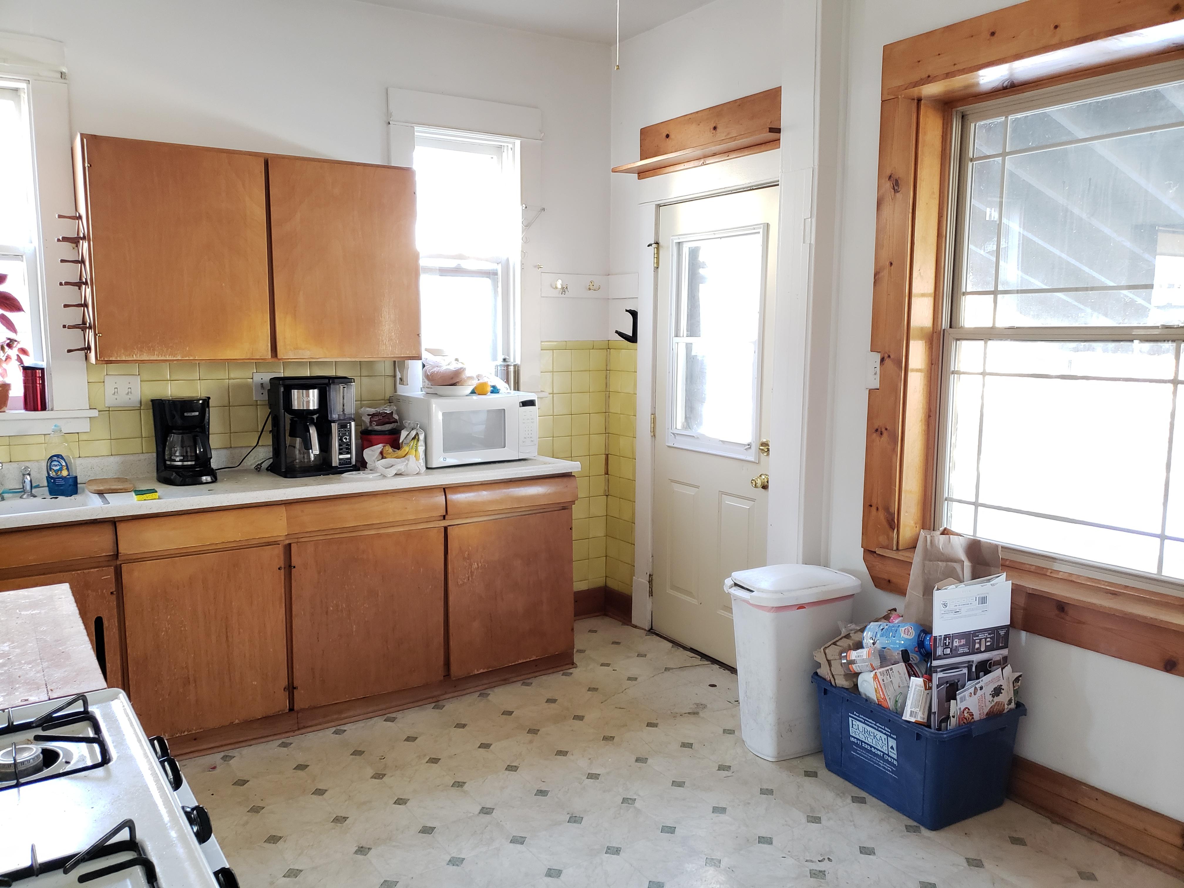 135 - 1651 Kitchen